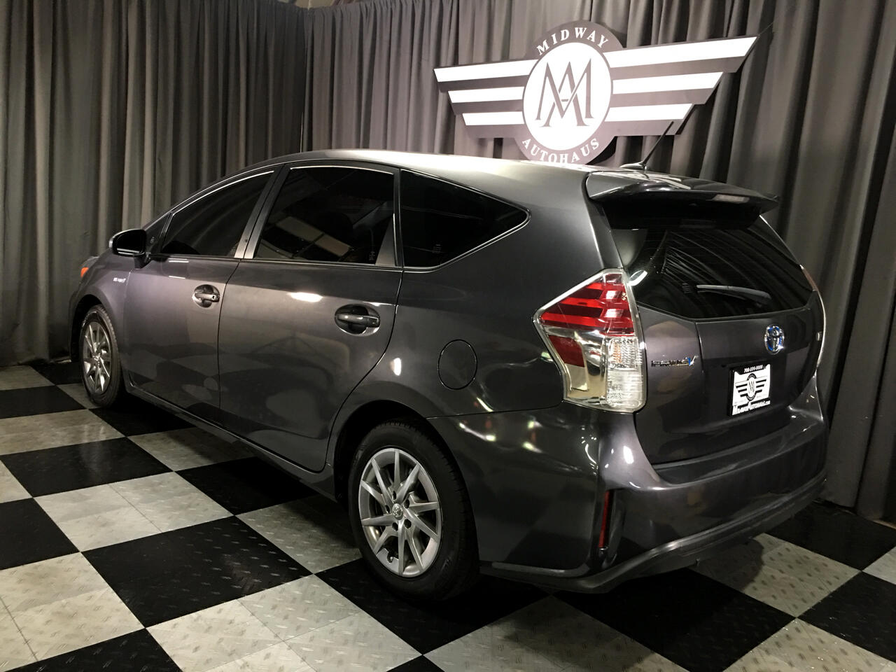 Pre-Owned 2016 Toyota Prius V 5dr Wgn Two (Natl)