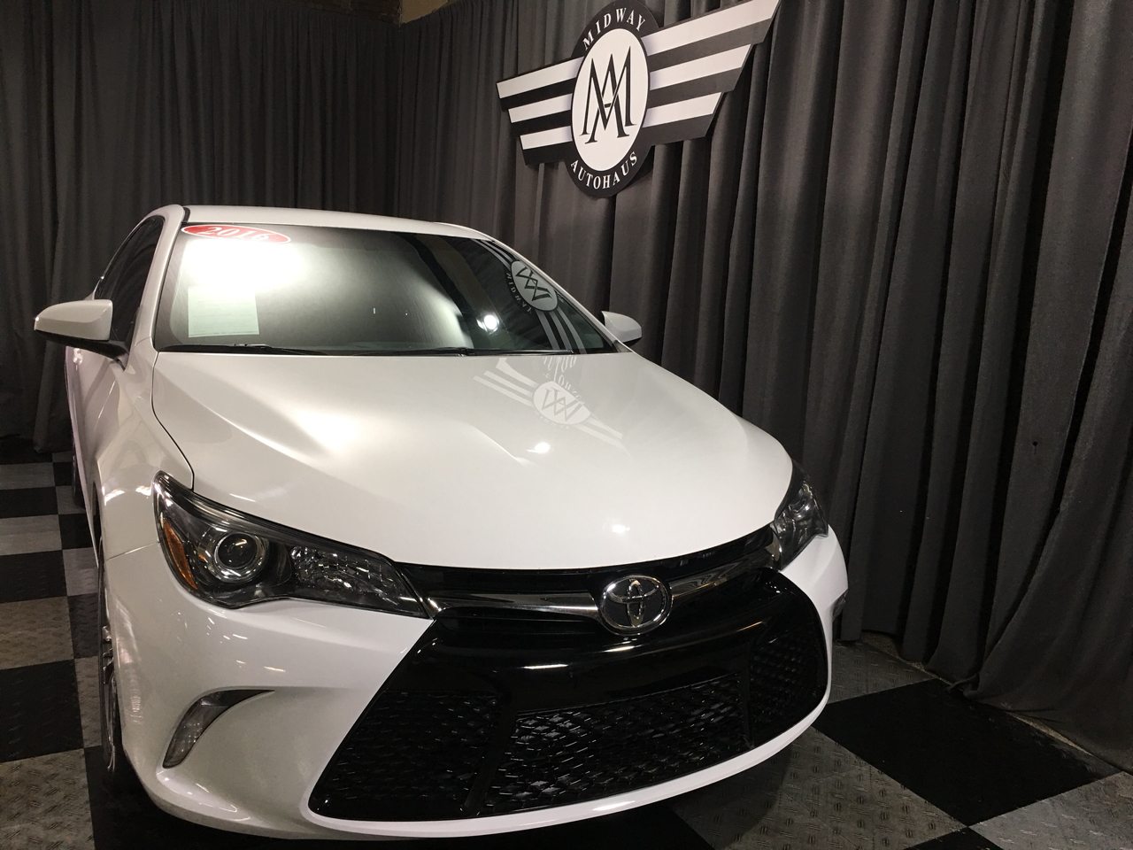 Pre-Owned 2016 Toyota Camry 2014.5 4dr Sdn I4 Auto LE (Natl)