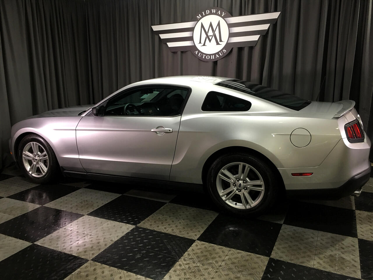 Pre-Owned 2011 Ford Mustang