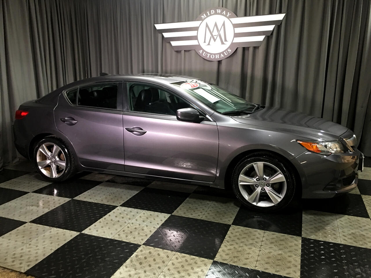 Pre-Owned 2015 Acura ILX 4dr Sdn 2.0L Tech Pkg