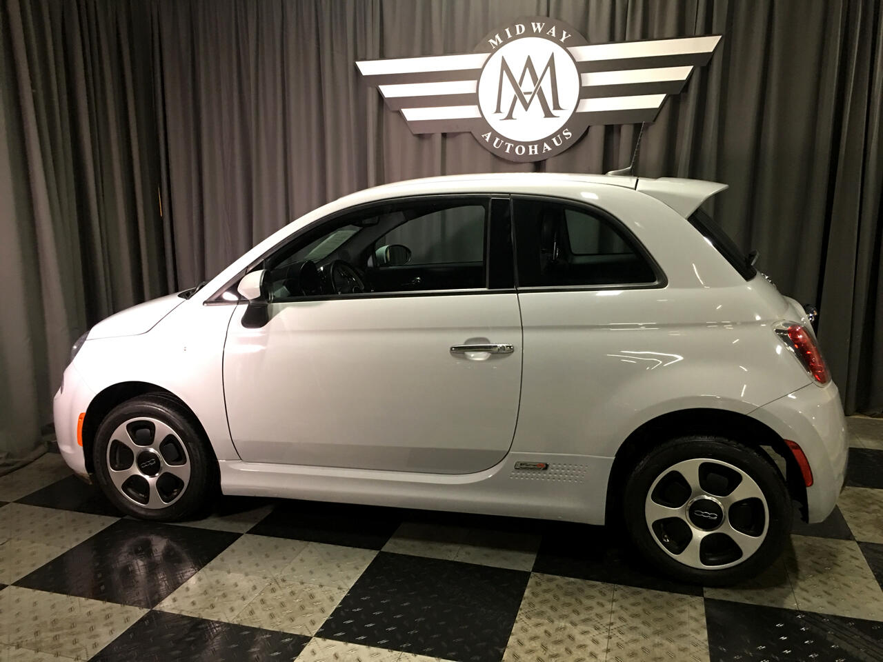 Pre-Owned 2017 FIAT 500e Hatch