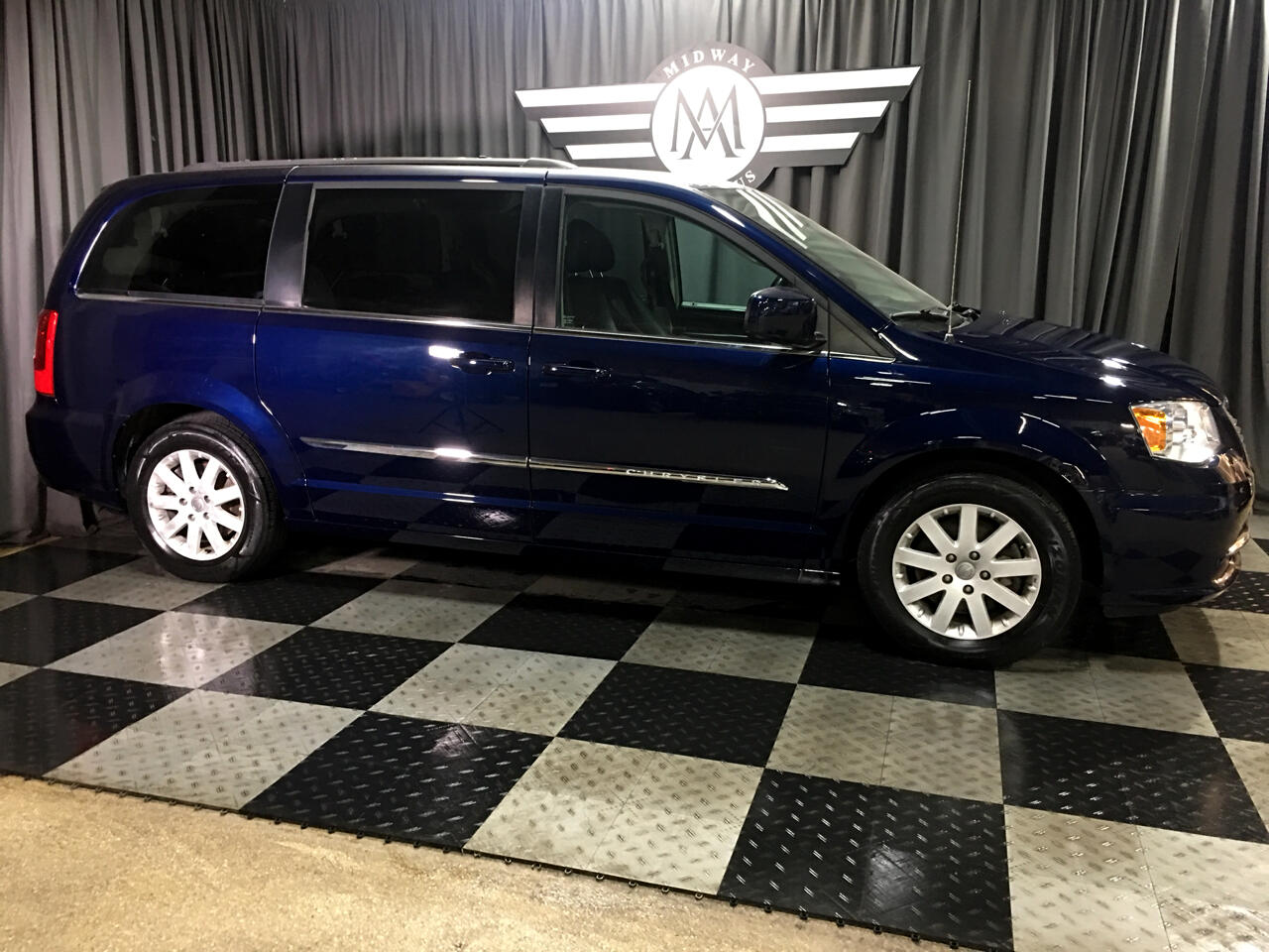 Pre-Owned 2014 Chrysler Town & Country 4dr Wgn Touring