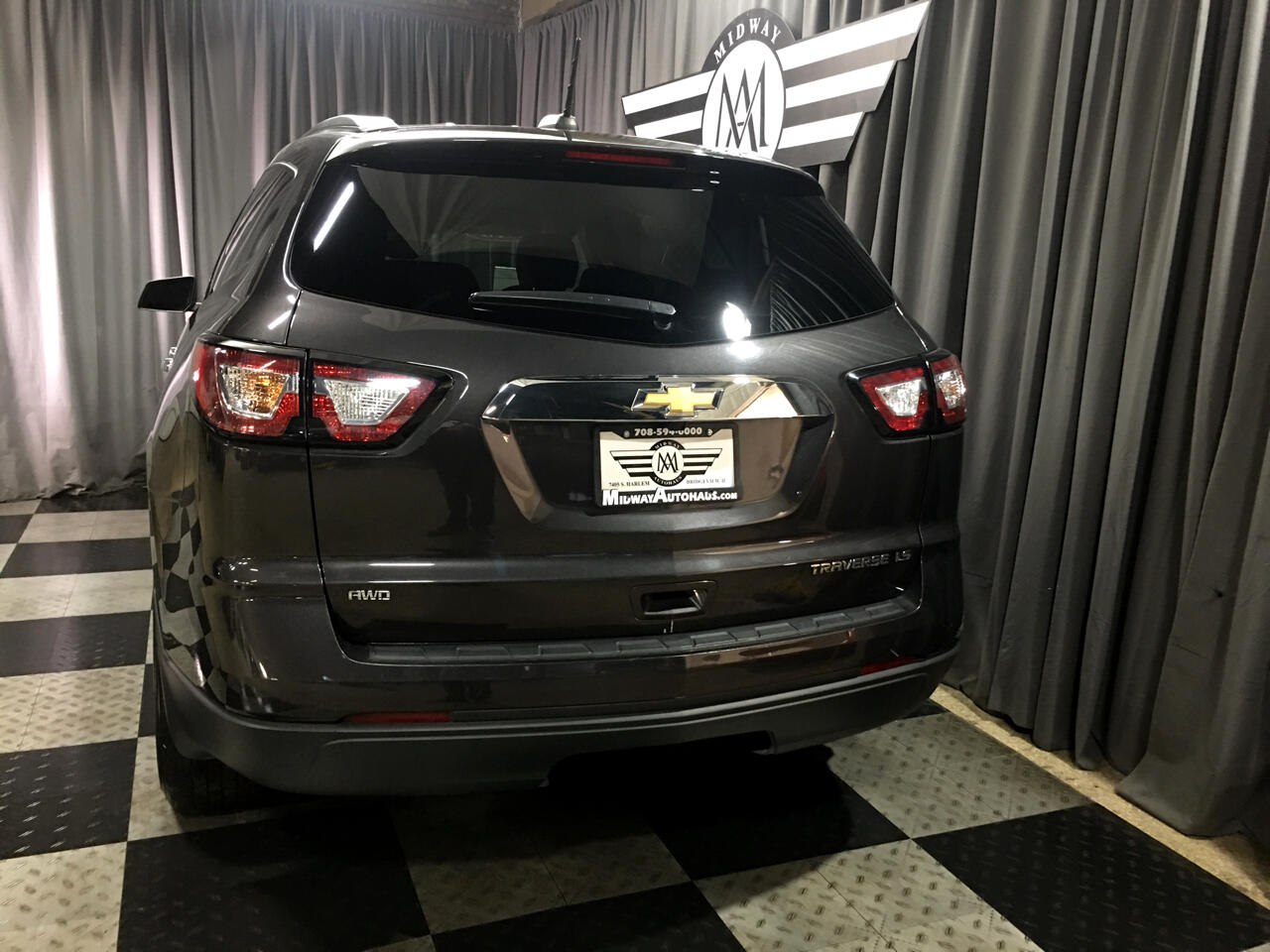 Pre-Owned 2016 Chevrolet Traverse AWD 4dr LS