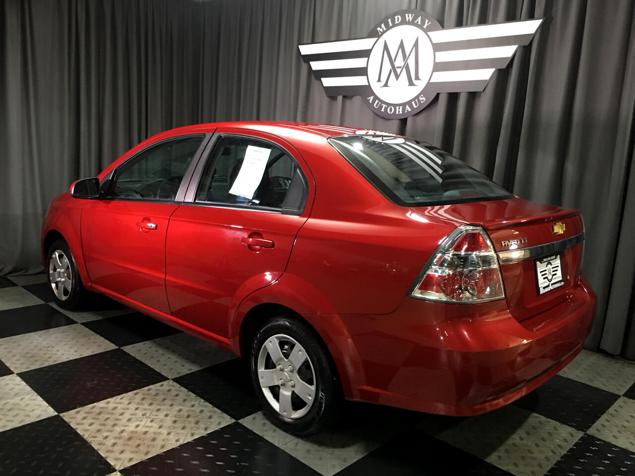 Pre-Owned 2011 Chevrolet Aveo 4dr Sdn LT w/1LT