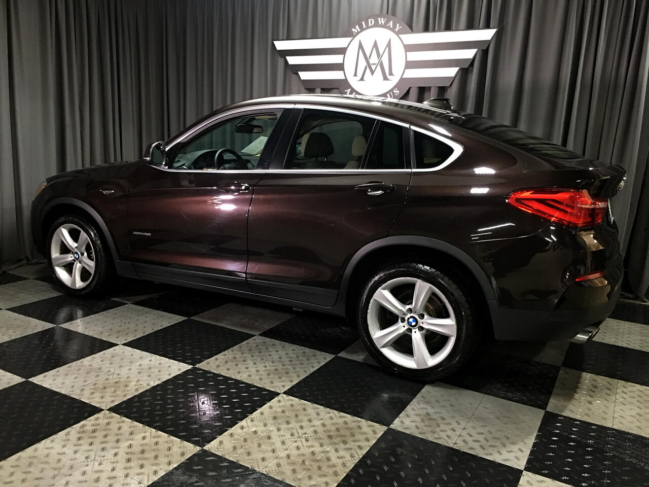 Pre-Owned 2016 BMW X4 AWD 4dr xDrive28i