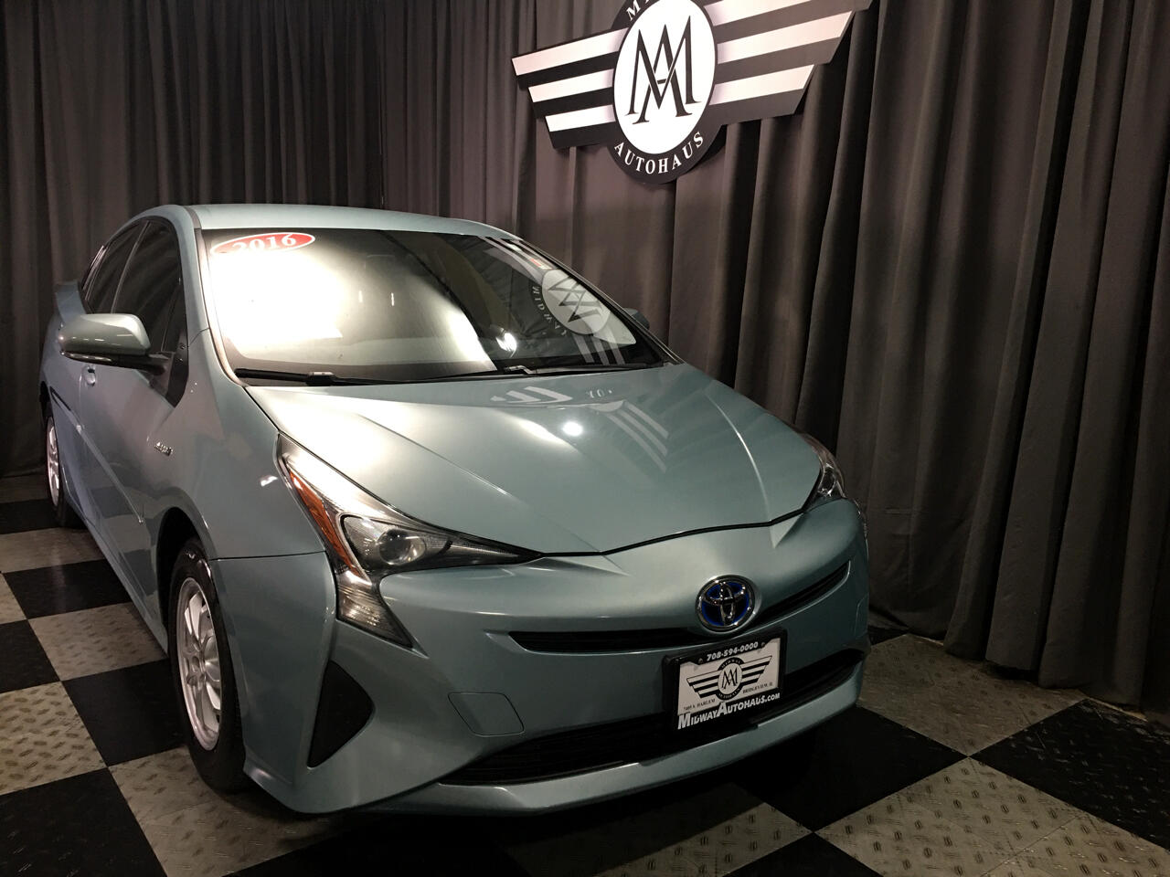 Pre-Owned 2016 Toyota Prius 5dr HB Two (Natl)