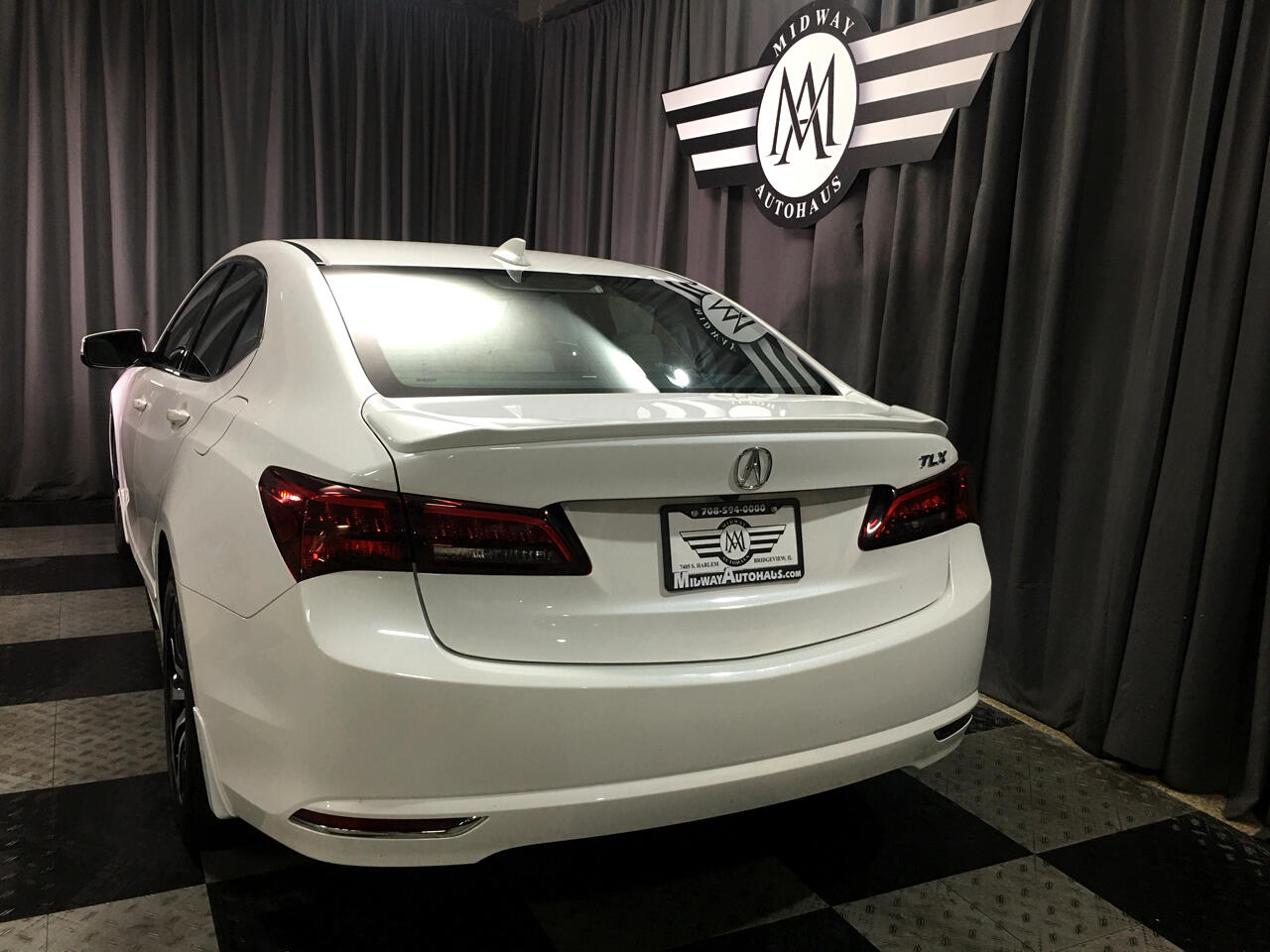 Pre-Owned 2017 Acura TLX FWD w/Technology Pkg
