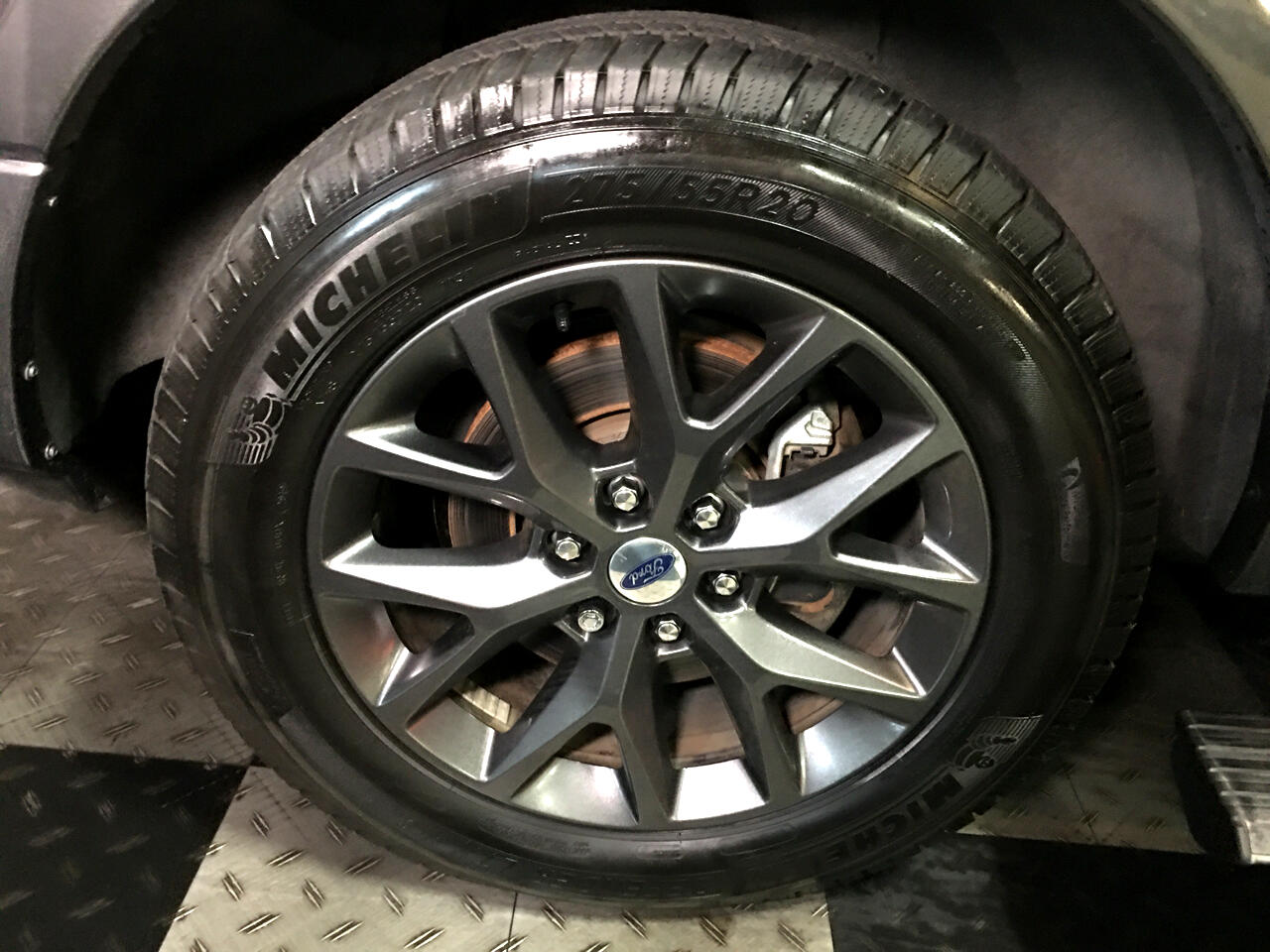 Pre-Owned 2017 Ford Expedition Limited 4x2