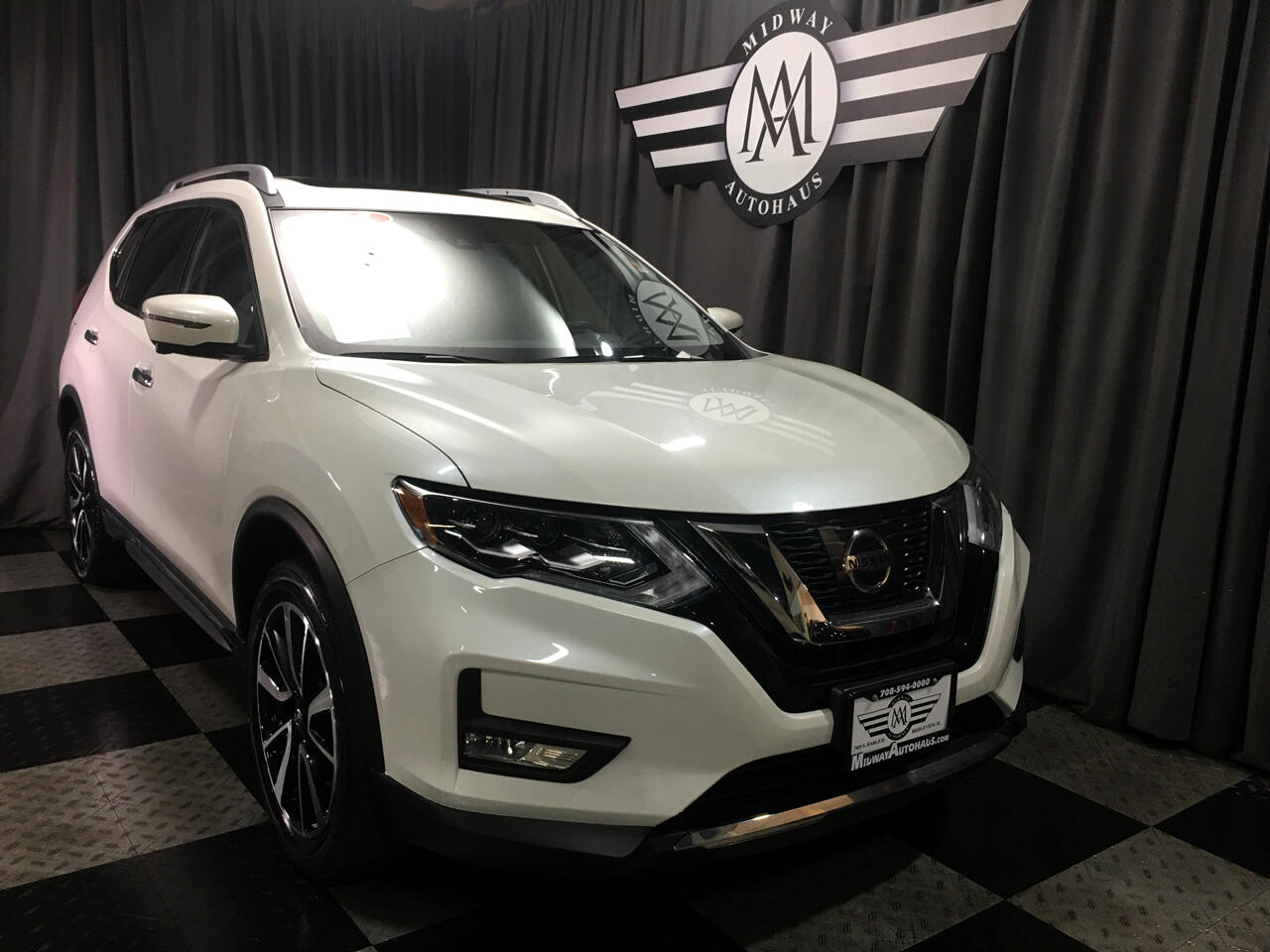 Pre-Owned 2017 Nissan Rogue AWD SL