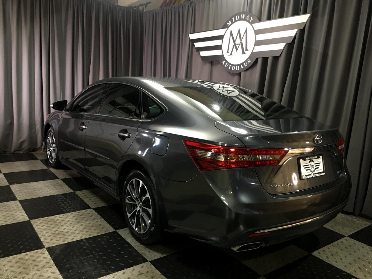Pre-Owned 2017 Toyota Avalon XLE (Natl)