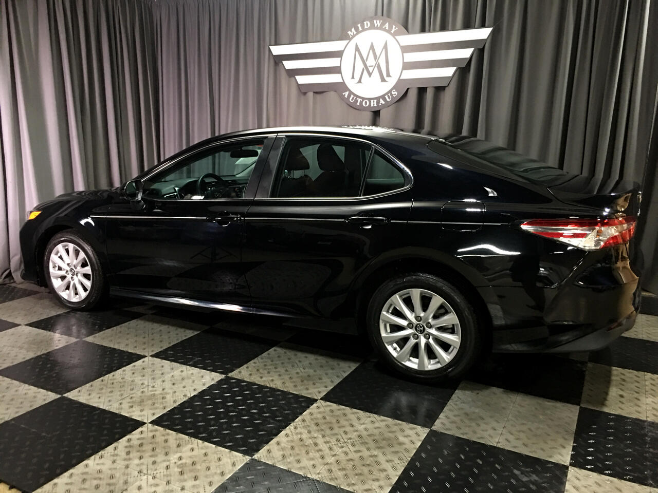 Pre-Owned 2018 Toyota Camry LE Auto (Natl)