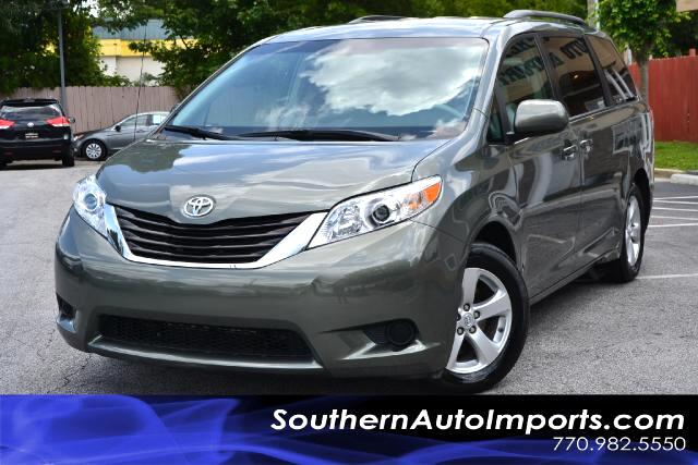 2011 Toyota Sienna SIENNE LEONE OWNERCLEAN CARFAX CERTIFIEDCALL US NOW AT 866-210-0391 TO DR