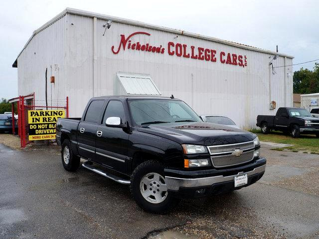 2006 Chevrolet SILVERADO Visit Nicholsons College Cars online at wwwnicholsoncarscom to see more