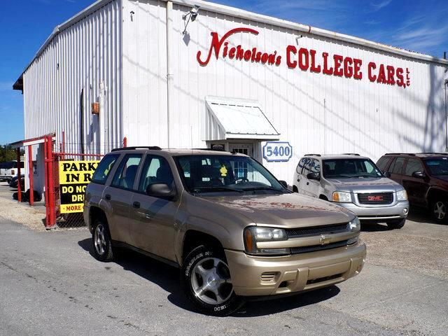 2006 Chevrolet TrailBlazer Visit Nicholsons College Cars online at wwwnicholsoncarscom to see mor