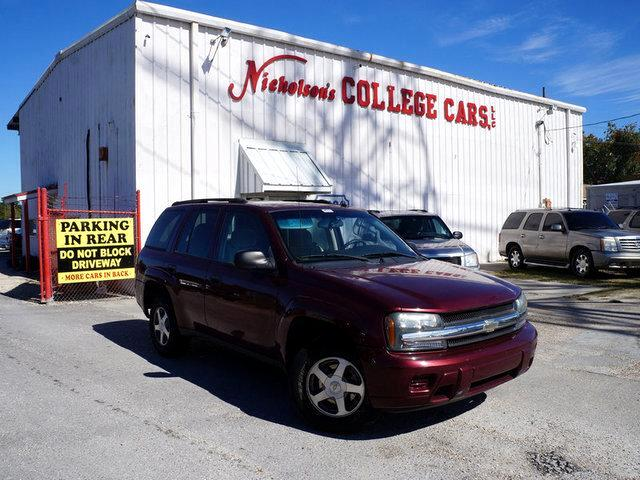 2005 Chevrolet TrailBlazer Visit Nicholsons College Cars online at wwwnicholsoncarscom to see mor