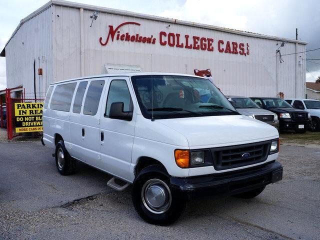2004 Ford E-350 Visit Nicholsons College Cars online at wwwnicholsoncarscom to see more pictures