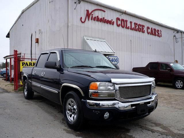 2006 GMC Sierra Visit Nicholsons College Cars online at wwwnicholsoncarscom to see more pictures