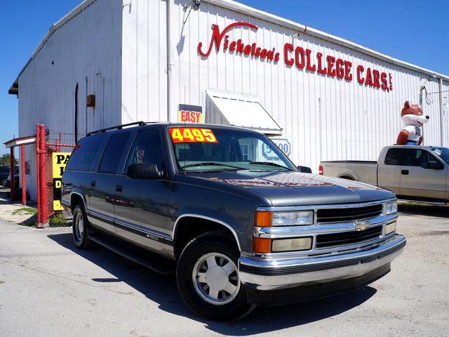 1999 Chevrolet Suburban Visit Nicholsons College Cars online at wwwnicholsoncarscom to see more p
