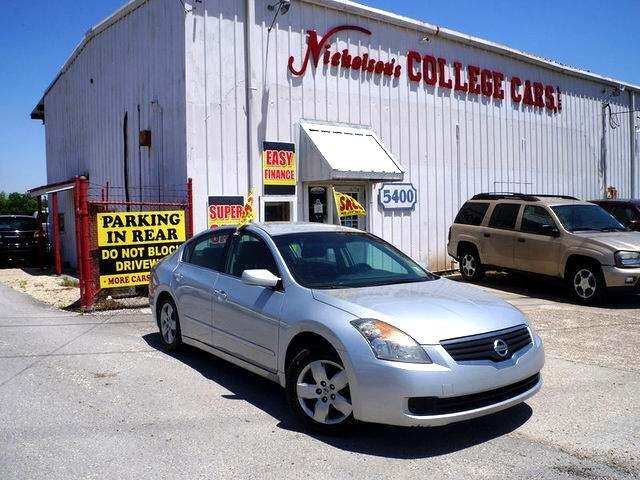 2008 Nissan Altima Visit Nicholsons College Cars online at wwwnicholsoncarscom to see more pictur