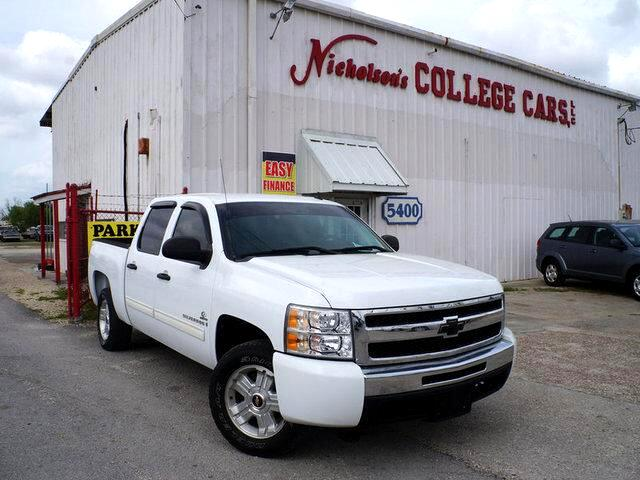 2009 Chevrolet SILVERADO Visit Nicholsons College Cars online at wwwnicholsoncarscom to see more