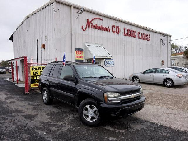 2005 Chevrolet TrailBlazer Visit Nicholsons College Cars online at wwwnicholsoncarscom to see mo
