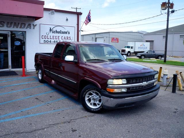 1999 Chevrolet SILVERADO Visit Nicholsons College Cars online at wwwnicholsoncarscom to see more