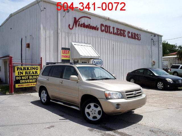 2004 Toyota Highlander Visit Nicholsons College Cars online at wwwnicholsoncarscom to see more pi