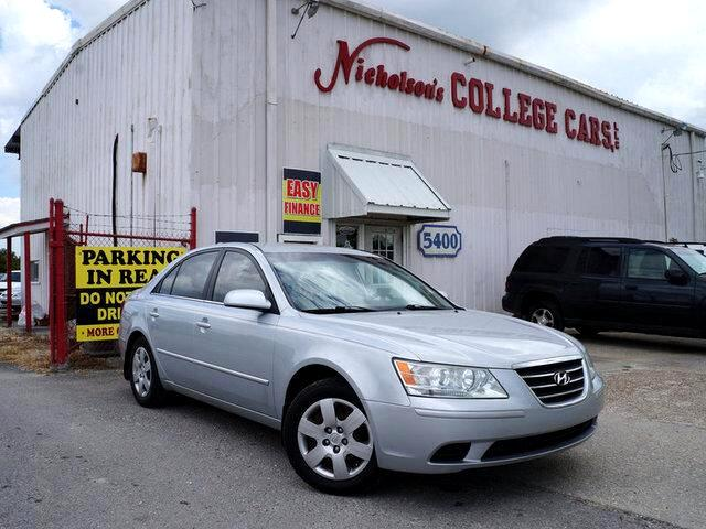 2009 Hyundai Sonata Visit Nicholsons College Cars online at wwwnicholsoncarscom to see more pictu