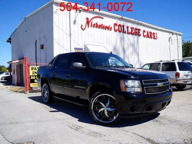 2007 Chevrolet Avalanche Visit Nicholsons College Cars online at wwwnicholsoncarscom to see more
