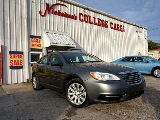 2012 Chrysler 200 Visit Nicholsons College Cars online at wwwnicholsoncarscom to see more picture