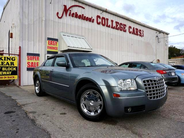 2006 Chrysler 300 Visit Nicholsons College Cars online at wwwnicholsoncarscom to see more picture