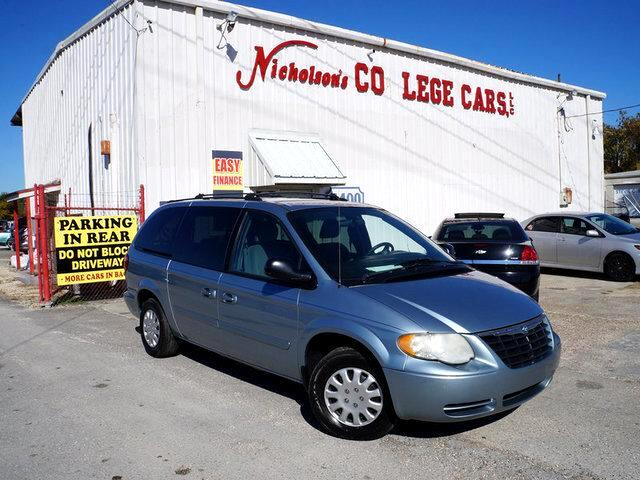 2005 Chrysler Town  Country Visit Nicholsons College Cars online at wwwnicholsoncarscom to see m