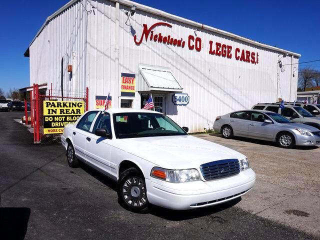 2004 Ford Crown Victoria Visit Nicholsons College Cars online at wwwnicholsoncarscom to see more