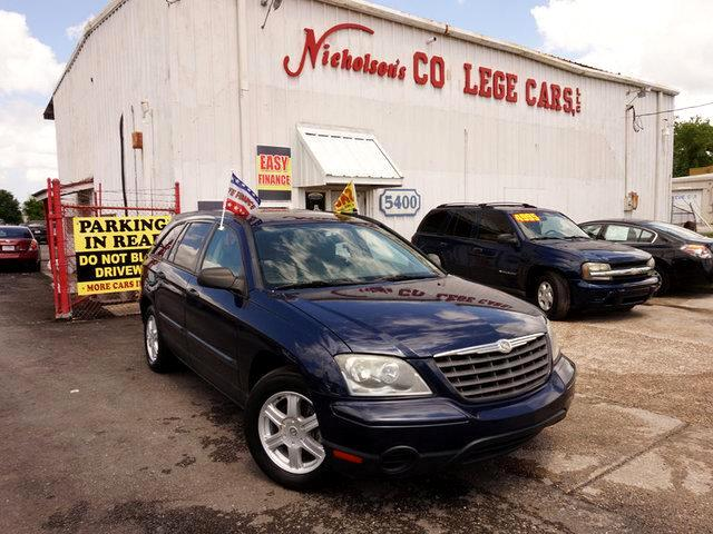 2005 Chrysler Pacifica Visit Nicholsons College Cars online at wwwnicholsoncarscom to see more p