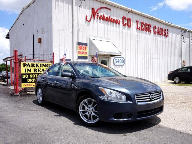 2013 Nissan Maxima Visit Nicholsons College Cars online at wwwnicholsoncarscom to see more pictu