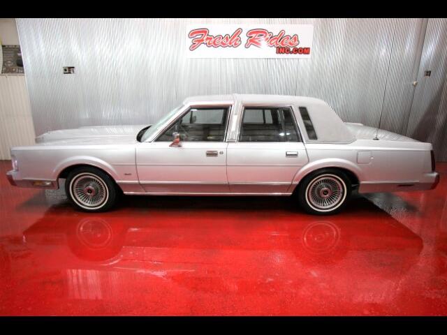 1986 Lincoln Town Car Sedan