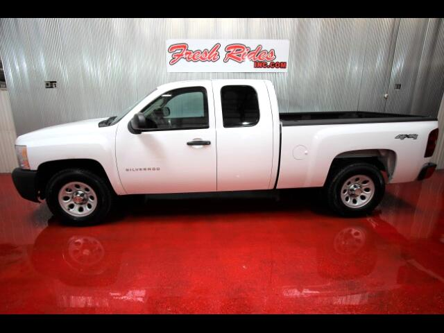 2011 Chevrolet Silverado 1500 LS Ext. Cab 4-Door Short Bed 4WD