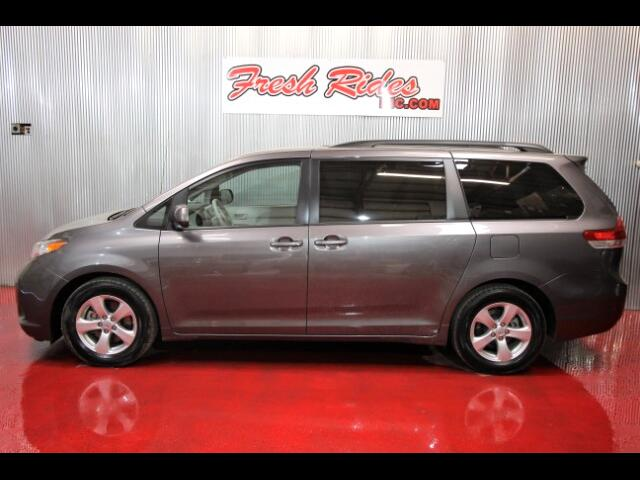 2014 Toyota Sienna 5dr 7-Pass Van V6 LE FWD (Natl)