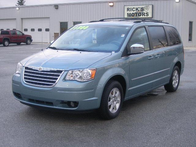 2010 Chrysler Town & Country 29609