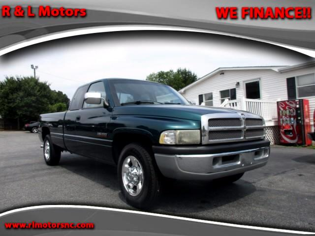 1995 Dodge Ram 2500 ST Club Cab 8-ft. Bed 2WD