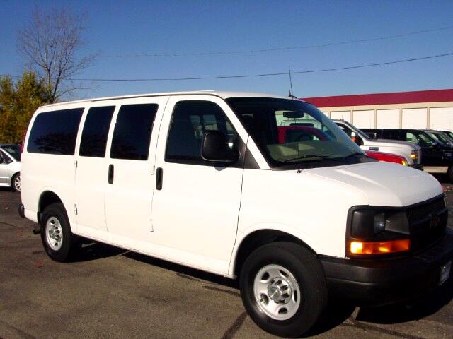 2011 Chevrolet Express LS 2500  10 Passenger