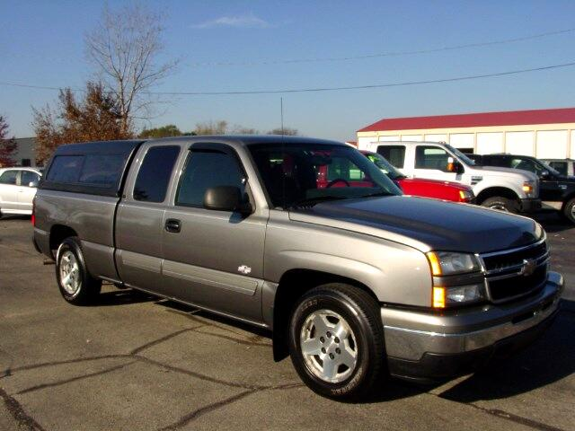 2006 Chevrolet Silverado 1500 LT Ext. Cab Short Bed 2WD