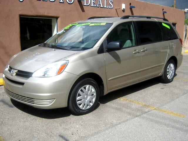 2005 Toyota Sienna You dont have to be a soccer mom or a shepherd of little tikes to love our One