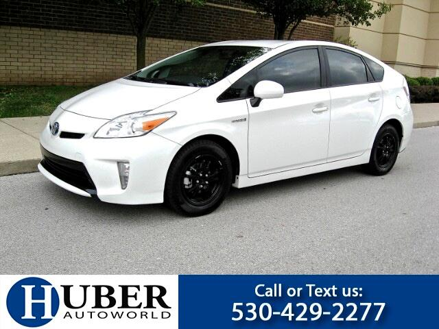 2014 Toyota Prius 5DR Hatchback III