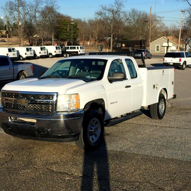 2011 Chevrolet Silverado 3500HD Work Truck Ext. Cab Long Box 4WD
