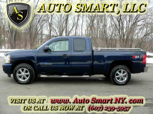 2010 Chevrolet Silverado 1500 LT2 Ext. Cab Short Bed 4WD