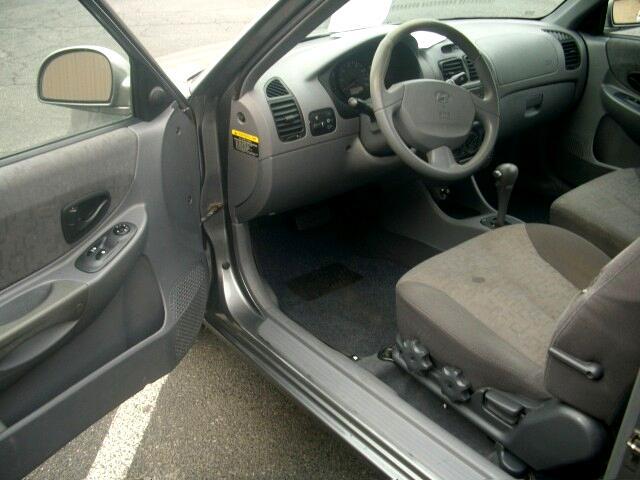 2003 Hyundai Accent GL 3-door