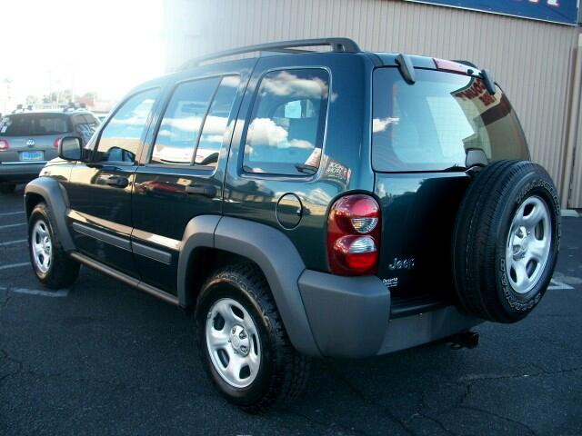 2005 Jeep Liberty Sport 2WD