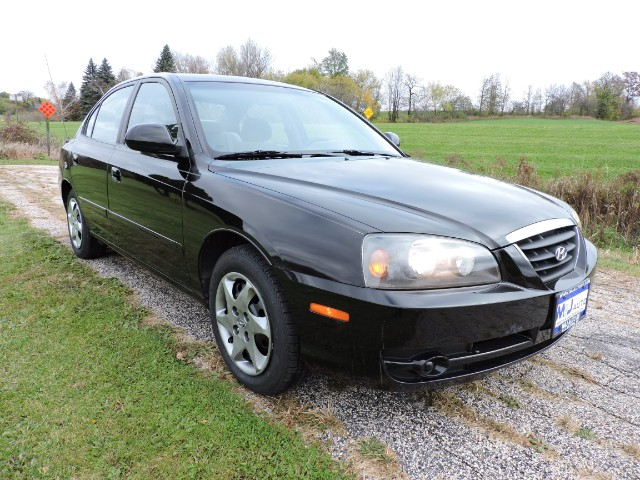 used 2005 hyundai elantra gls 4 door for sale in allenton. Black Bedroom Furniture Sets. Home Design Ideas