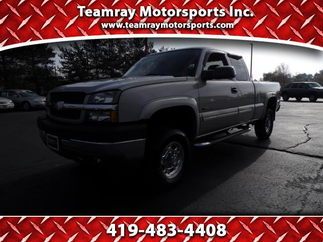 2004 Chevrolet Silverado 2500HD LT Ext. Cab Short Bed 4WD